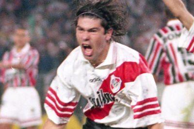 Entre ídolos y destacados: los jugadores chilenos que brillaron en Argentina