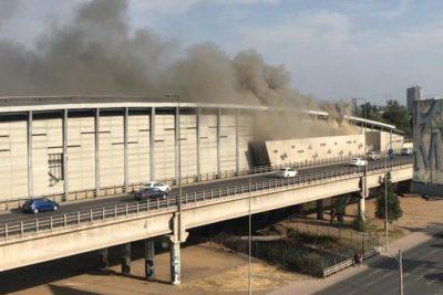 VIDEO | Nuevos incendios afectan a estaciones Macul, San Pablo y Laguna Sur