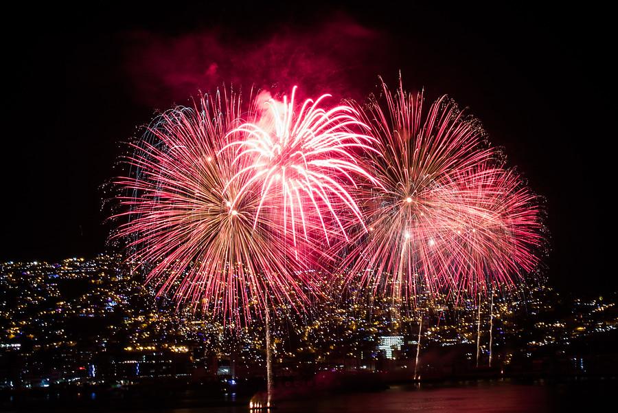 Alcalde Sharp ratifica Año Nuevo en el Mar en Valparaíso - El Dínamo