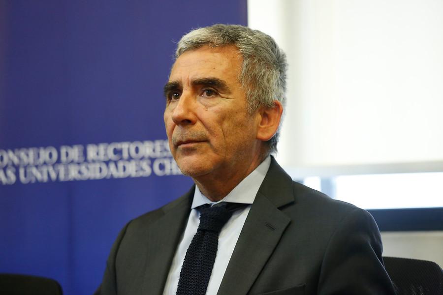 """Carlos Peña responde a críticos: """"El cargo de rector no es motivo para inhibirse de opinar"""""""