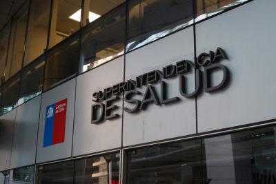 Isapres son sancionadas por irregularidades en entrega de medicamentos GES AUGE