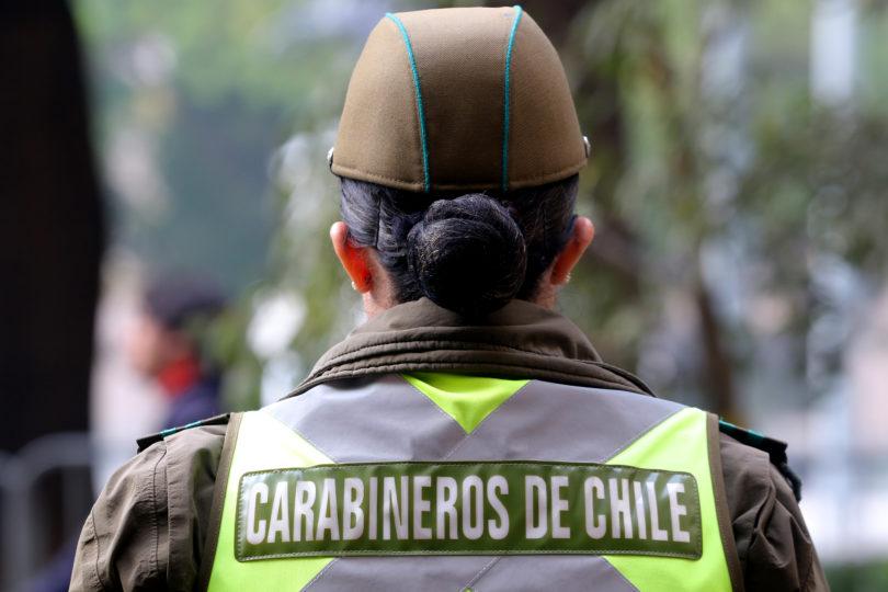 Carabinera resultó baleada durante incidentes registrados en Plaza Baquedano