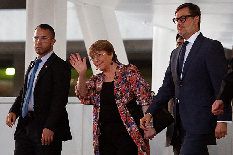 """Bachelet critica """"brutalidad policial"""" en las protestas sociales en el mundo"""
