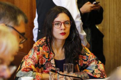 """""""Haremos arder a los burgueses"""": Camila Vallejo desmiente polémico panfleto"""