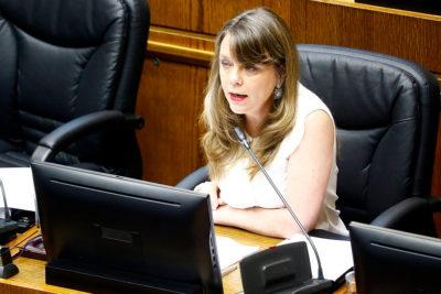 VIDEO | Senadora Ena von Baer sufre ataque en su vehículo en Valdivia