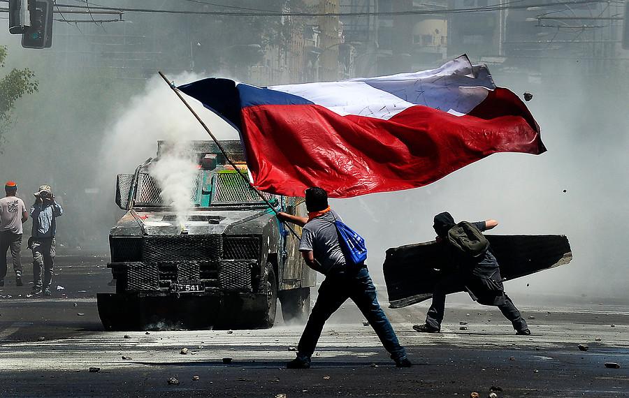 """""""8 de cada 10 chilenos está de acuerdo con cambiar la actual Constitución"""""""