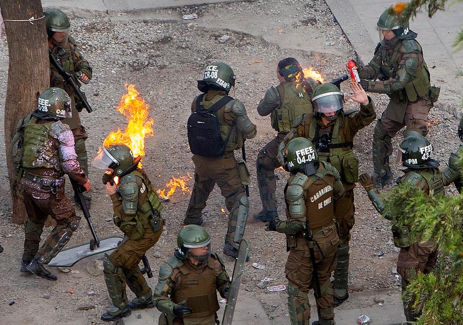 ¿Es un montaje el ataque con molotov a las dos carabineras?