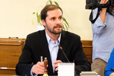 Diputado Jaime Bellolio se abre a posibilidad de un plebiscito