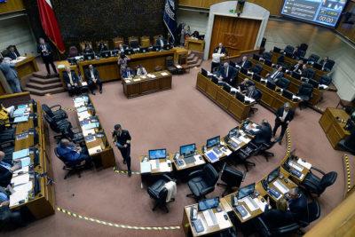 Senado aprueba límite a la reelección de parlamentarios y otras autoridades
