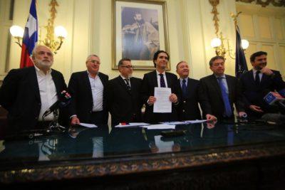 Gobierno y oposición firmaron acuerdo por proyecto de reforma tributaria