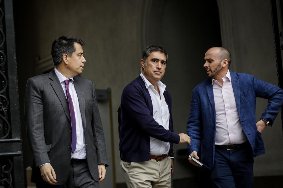 """""""Mario Desbordes, el parlamentario más conciliador de la derecha chilena"""""""