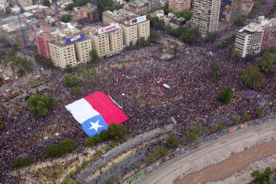 Intendencia cifra en 75 mil las personas en Plaza Italia en medio de incidentes