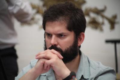 """Boric denunció ataque a su sede: """"Seguiremos firmes defendiendo un país más justo para todos"""""""