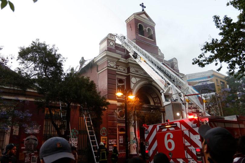 Senadores piden aumentar penas por vandalismo en lugares de culto
