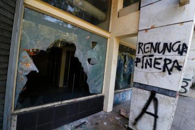 Comerciantes de Valparaíso demandarán al Estado por destrozos y saqueos