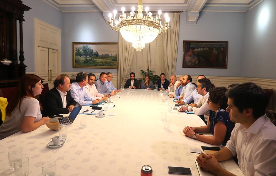 La principal traba que frena un acuerdo entre oficialismo y oposición por nueva Constitución