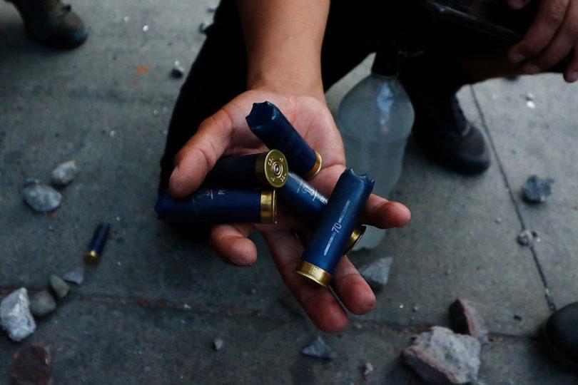 Justicia ordena a Carabineros no usar perdigones y lacrimógenas contra Bomberos de La Serena