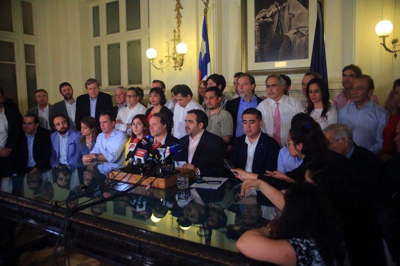 Acuerdo histórico: ciudadanía definirá en plebiscito si quiere nueva Constitución
