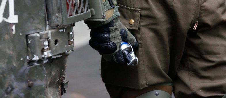 Especialistas de U. de Chile descartan que Mentholatum alivie efectos de bombas lacrimógenas