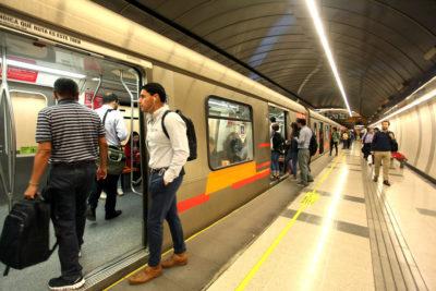 Metro mantiene cerradas las estaciones Plaza de Puente Alto y San Joaquín