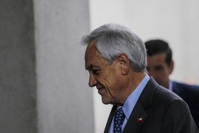 Piñera visita escuela de suboficiales en medio de cuestionamiento a Carabineros