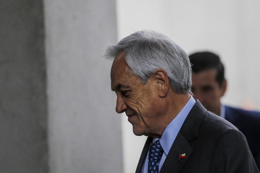 """""""Piñera visita escuela de suboficiales en medio de cuestionamiento a Carabineros"""""""