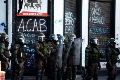 Balance de viernes tras manifestaciones: 243 detenidos, 6 saqueos, 4 incendios y 17 civiles lesionados