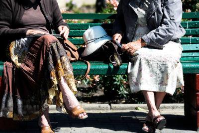 Crisis social y trastornos psicológicos: adultos mayores lideran aumento de licencias por enfermedades mentales
