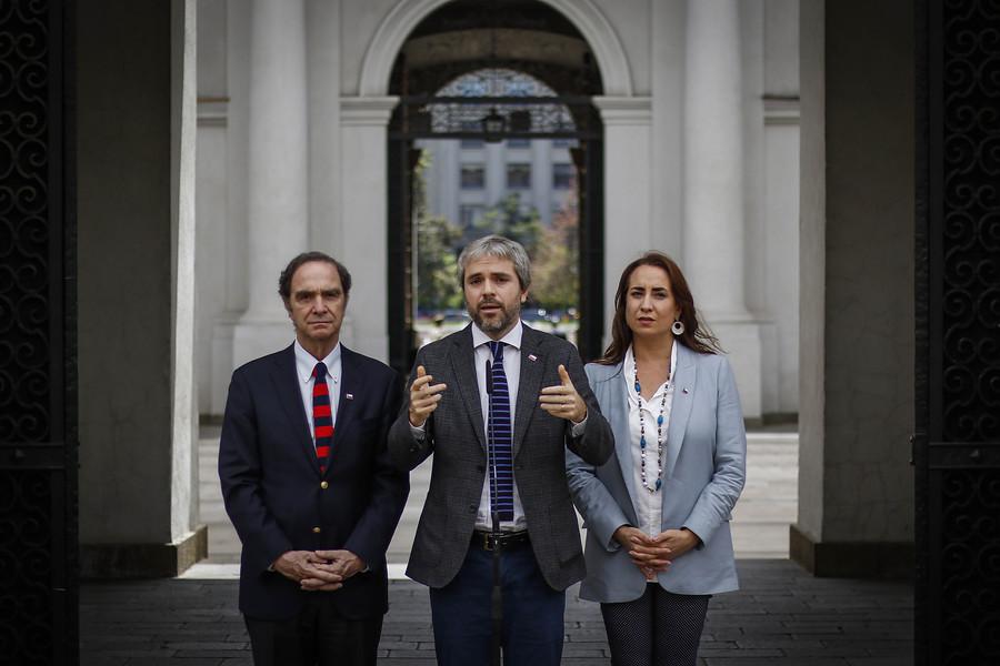 """""""Gobierno anuncia que adelantará egreso de estudiantes de Carabineros y PDI"""""""