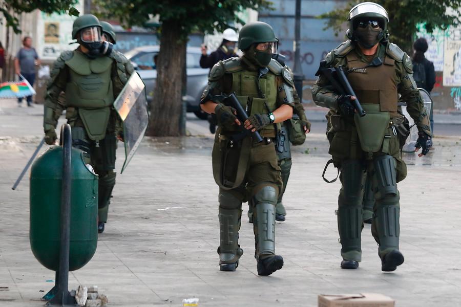 """""""Informe de Carabineros: rechazaron cifras de HRW y se comprometieron a mejorar protocolos"""""""