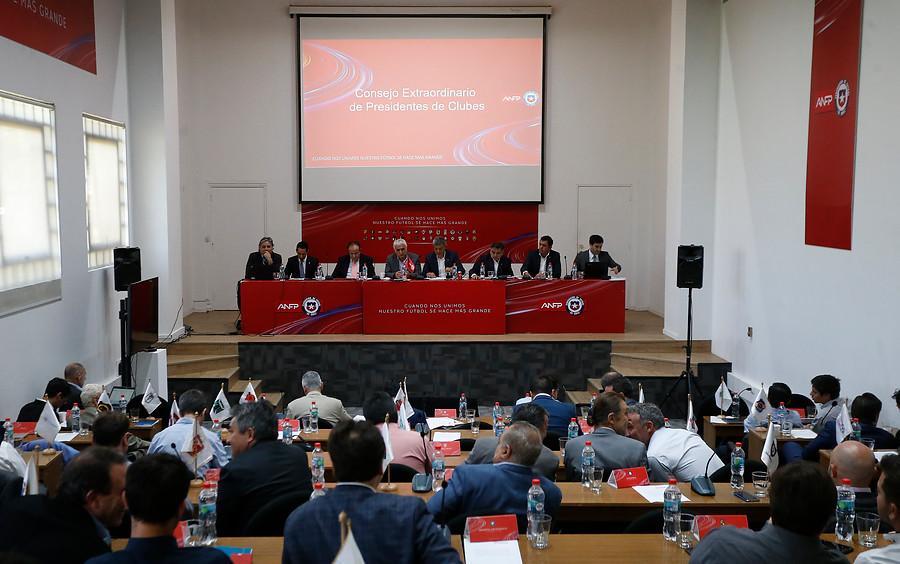 """""""Molestia y falta de quórum: la sesión del Consejo de Presidentes que decidió el regreso del fútbol"""""""