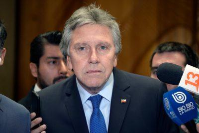 Espina explica alcance de exención de responsabilidad penal a FF.AA. en el Senado