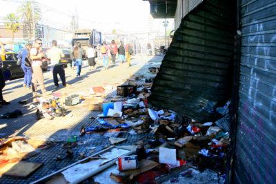 Carabineros detiene a 11 personas que participaron de saqueos en Intermodal La Cisterna