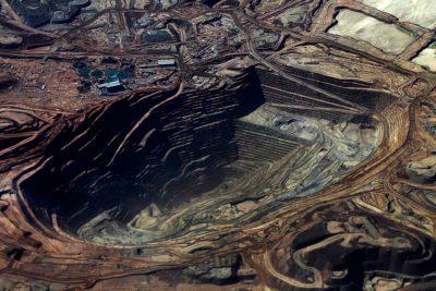 """Magnate minero llama a elegir el Congo por sobre Chile: """"Es un lugar terrible para invertir"""""""