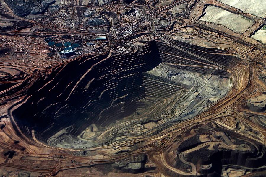"""""""Magnate minero llama a elegir el Congo por sobre Chile:"""