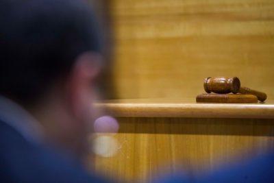 Valdivia: Prisión preventiva para dos hombres imputados por robo en municipio