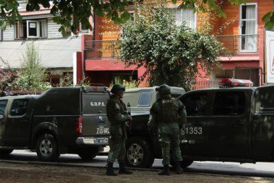 Fiscalía investiga dinamita arrojada contra patrulla de Carabineros