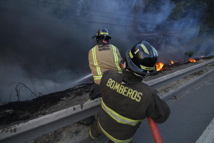 """""""Alerta Roja en Valparaíso tras incendios forestales en Reserva del Lago Peñuelas"""""""