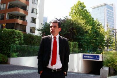 Ex fiscal Carlos Gajardo presentará querella contra responsables de agresión a Gustavo Gatica
