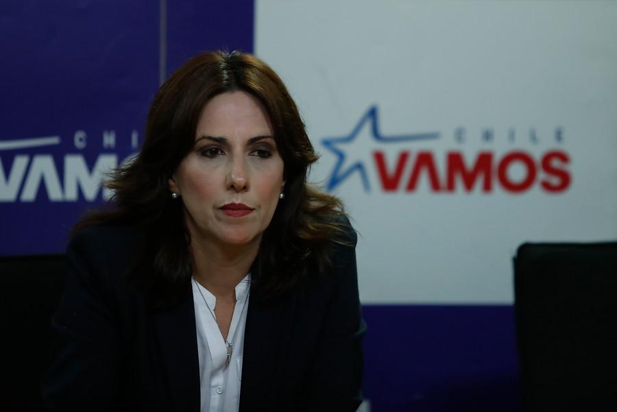 """Gobierno pide """"renuncia inmediata"""" a subsecretaria de Bienes Nacionales"""