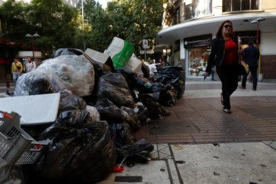 Las demandas de los recolectores de basura que paralizaron en la Región Metropolitana