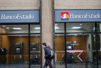 Delincuentes saquean un BancoEstado y sustraen $160 millones y dos armas