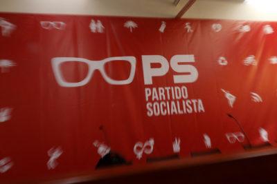 """La declaración de figuras históricas del PS: """"Nuestra democracia está en peligro"""""""