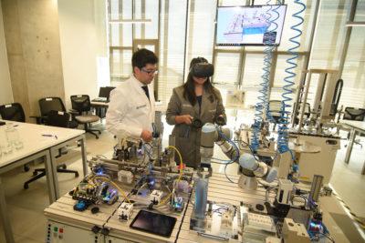 Inauguran el primer centro de aprendizaje de la industria 4.0 en Chile