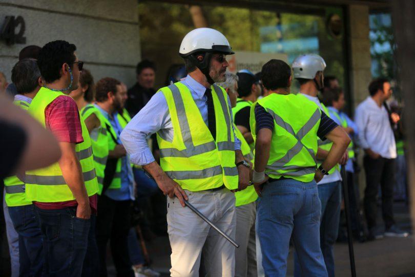 """Fundadora de """"chalecos amarillos"""" de Francia: """"En Chile traicionan la esencia del movimiento"""""""