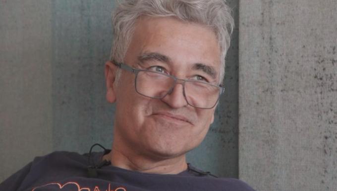 """Jorge González: """"Es una pena que tengan que seguir cantando El Baile de los que Sobran"""""""