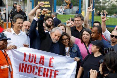 """Lula da Silva tras ser liberado: """"Ustedes eran el alimento de la democracia que necesitaba"""""""