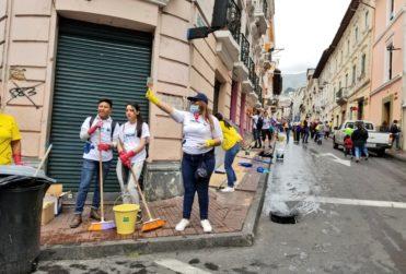 "Bernardo Abad relata la ""minga"" que recuperó el patrimonio de Ecuador tras crisis social"