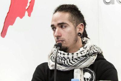 El drástico cambio de imagen del chileno anarquista Rodrigo Lanza, juzgado por homicidio en España
