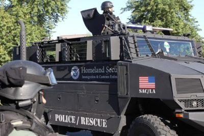 Trump ofrece ayuda a AMLO por masacre en México